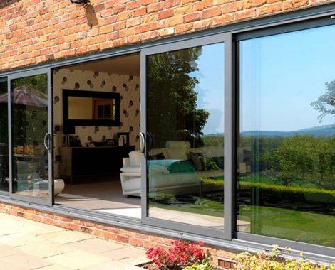 Black-aluminium-sliding-door